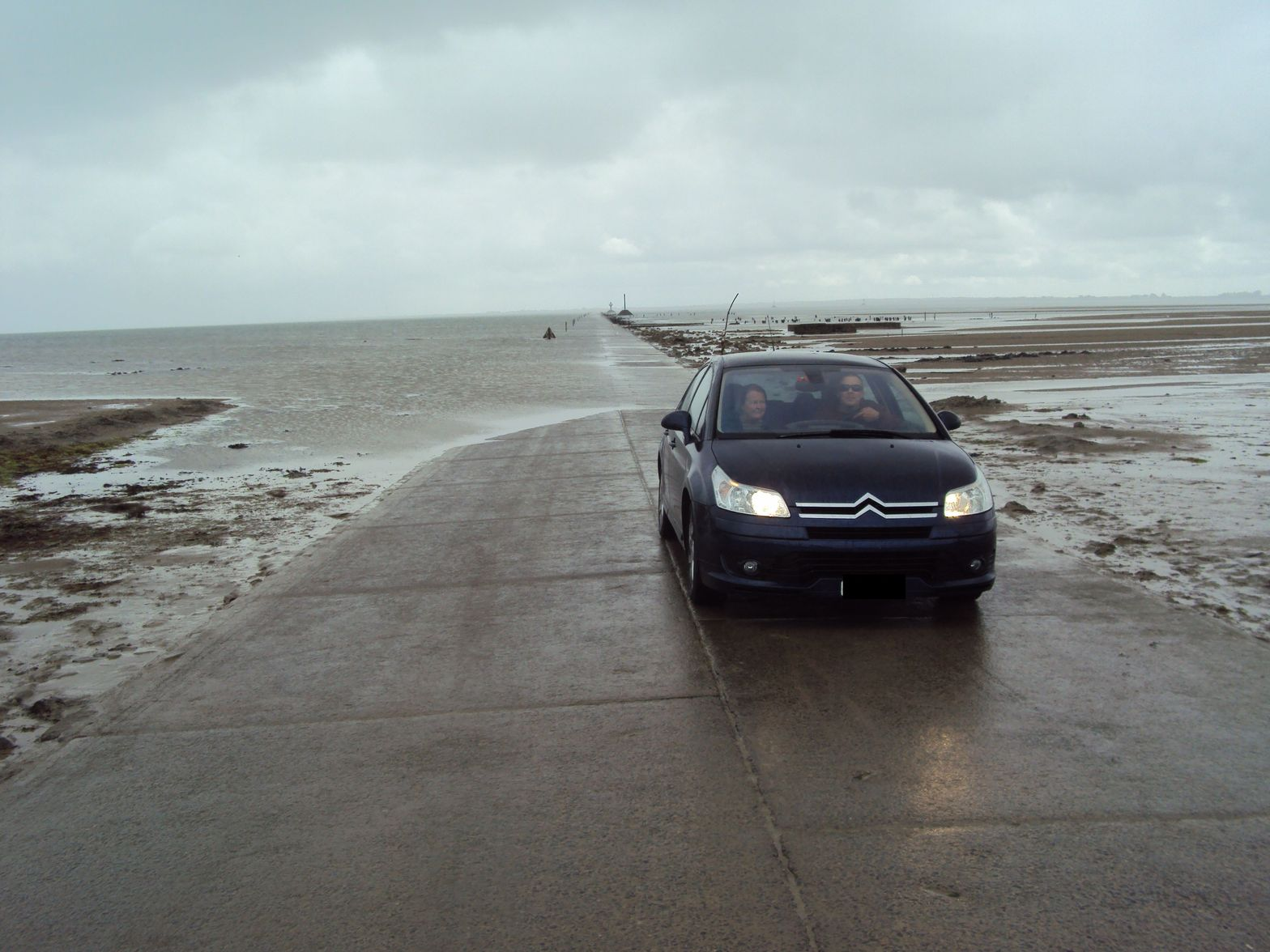 Citroen C4(france) Route Immergeable Du Gois, Vendee