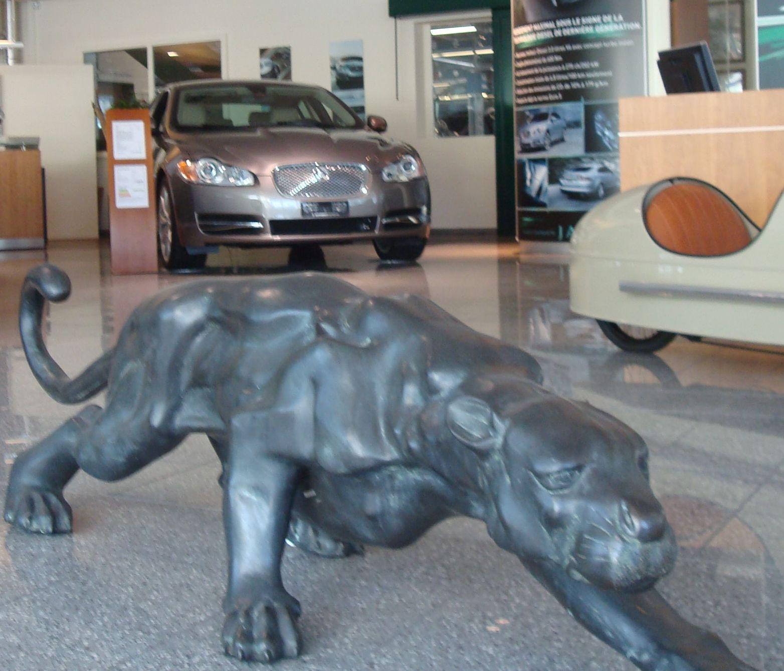 Jaguar au garage autobritt geneve insigne logo jaguar for Garage seat geneve