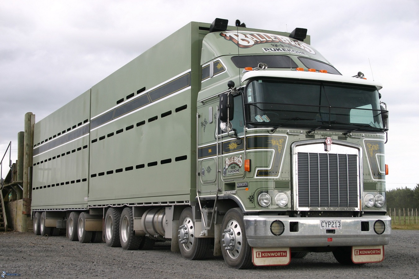 Kenworth K100(usa)