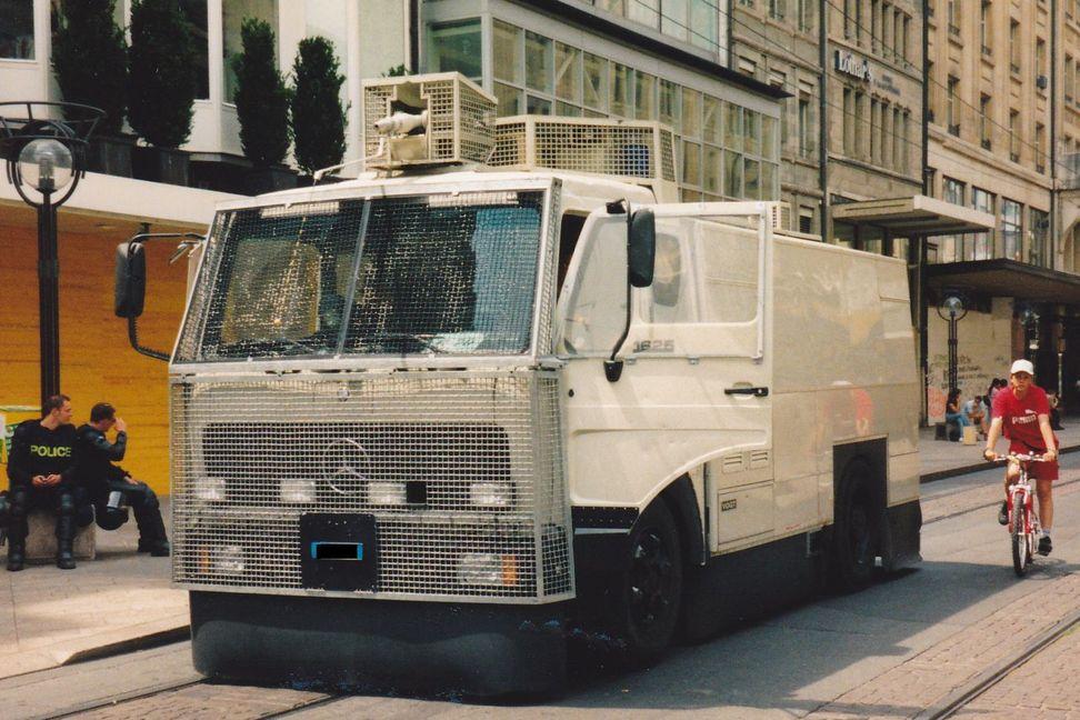 Mercedes Benz Deutschland 1900 Urgence Police