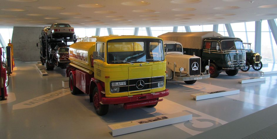 mercedes benz lkw musee mercedes benz de stuttgart allemagne camion poids lourds shell. Black Bedroom Furniture Sets. Home Design Ideas