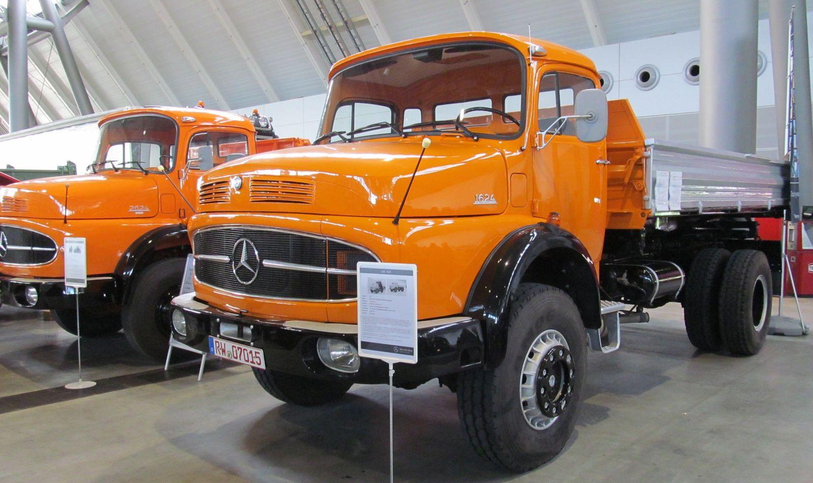 Mercedes Benz Trucks 1624 2624 Deutschland Retro