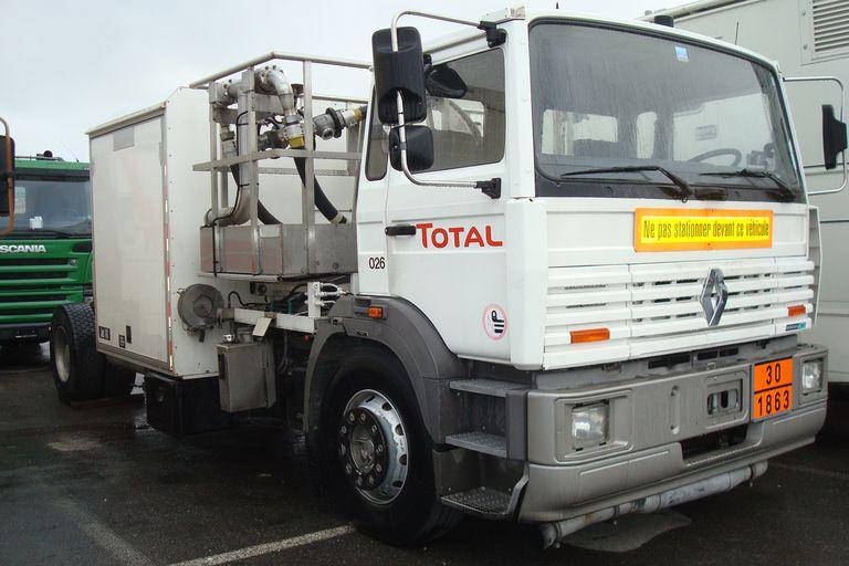 renault trucks france 0988 camion poids lourds renault trucks f autoalmanach partage de. Black Bedroom Furniture Sets. Home Design Ideas